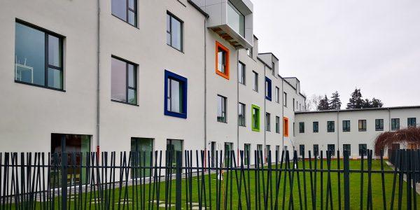 Okno-Fen : Fenêtres polonaises colorées à prix usine